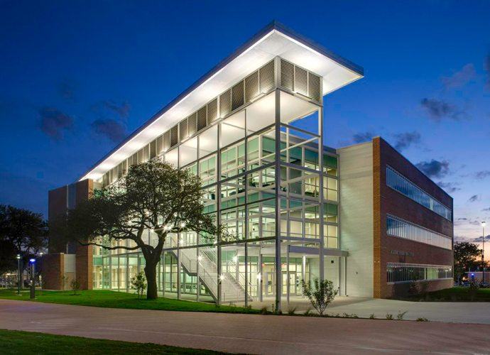 Excellent Academic Complex San Antonio College Alamo Colleges San Home Interior And Landscaping Ponolsignezvosmurscom